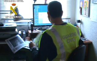 """La Guardia Civil desmantela una red de """"chiringuitos financieros"""" que habría estafado más de 27 millones de euros"""