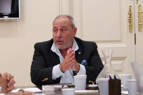 Primera reunión del Patronato de la Fundación Nacional Hermandad de la Guardia Civil, presidida por Eduardo Montolio
